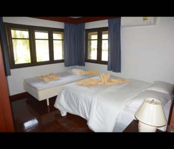 Bedroom 2  with a Queen size double bed and a single bed